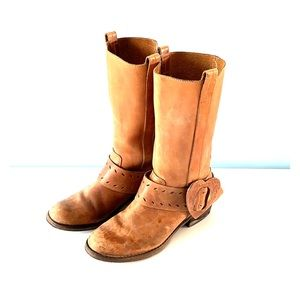 Genuine leather cowboy boots 🤠